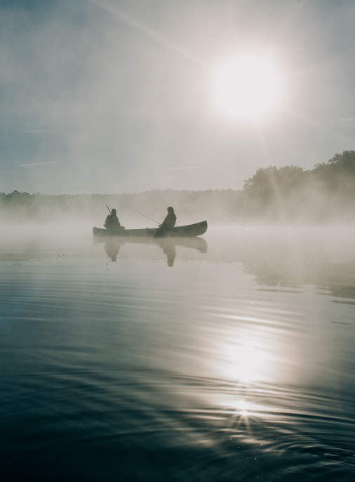 Angelurlaub auf dem See mit einem Boot bei Fiskado