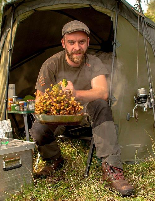 Leckere Gerichte in der Natur zubereiten bei einem Kochkurs mit Green Guiding